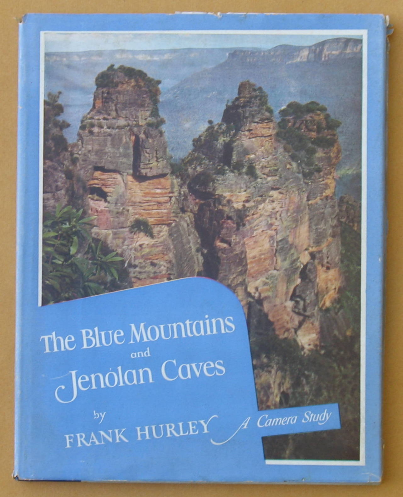 Image for The Blue Mountains and Jenolan Caves: A Camera Study